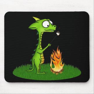 Fogo do dragão mouse pads