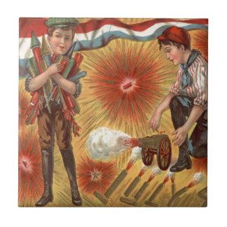 Foguete dos fogos-de-artifício do canhão dos azulejo quadrado pequeno