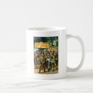 Foguetes dos fogos-de-artifício da parada das caneca de café