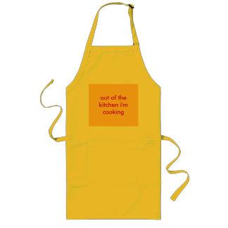 fora da cozinha eu estou cozinhando avental longo