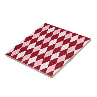 Forma pequena cor-de-rosa carmesim vermelha do azulejo quadrado pequeno