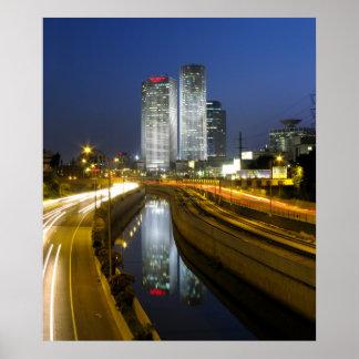 Foto da noite das torres de Tel Aviv Poster