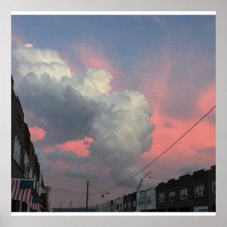 Foto das formações da nuvem do por do sol pôster