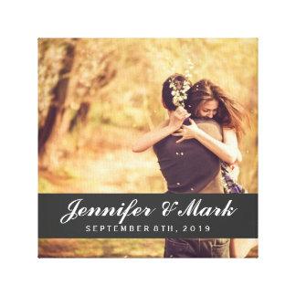 Foto do casal das canvas | da data do casamento