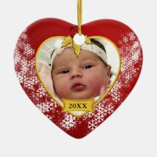 Foto do Natal do bebê vermelho nevado primeira Ornamento De Cerâmica Coração