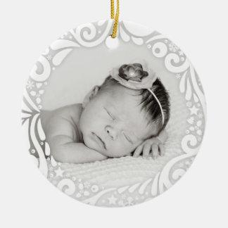 Foto feita sob encomenda branca simples doce do ornamento de cerâmica redondo
