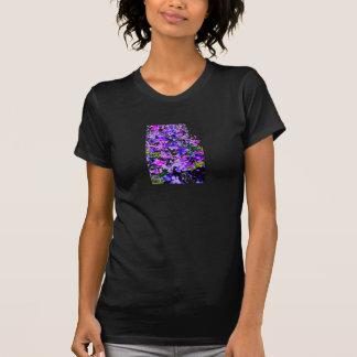 Foto floral impressa no Tshirt