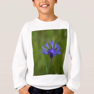 Foto macro de um cornflower (cyanus do Centaurea) Tshirts