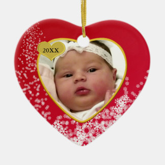 Foto nevado do coração do bebê vermelho do Natal Ornamento De Cerâmica Coração