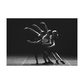 Foto preto e branco do balé do poster das