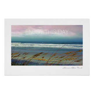 Fotografia bonita da praia e do oceano pelo srf poster