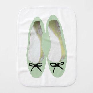 Fralda De Boca Calçados verdes