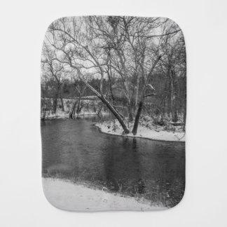 Fralda De Boca James River corta para trás o Grayscale
