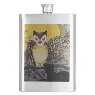 Frasco De Bebida Coruja no ramo na frente da lua que olha o gato
