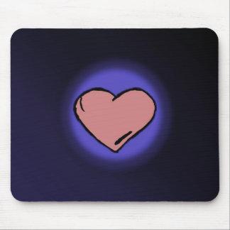 Fundo azul com coração cor-de-rosa do amor mouse pad