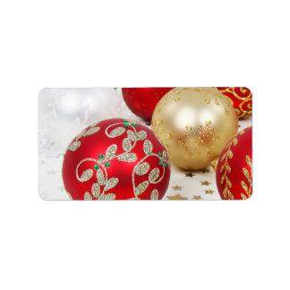 Fundo festivo dos enfeites de natal do feriado etiqueta de endereço