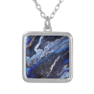 Galáxia escura colar banhado a prata