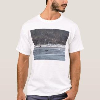 Gansos sobre o lago t-shirts