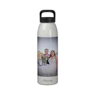 Garrafa de água do casamento de Anna & de Michael