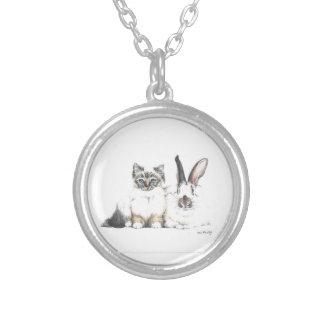 Gatinho e coelho colar banhado a prata