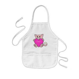 Gato cor-de-rosa do dia dos namorados com coração avental infantil
