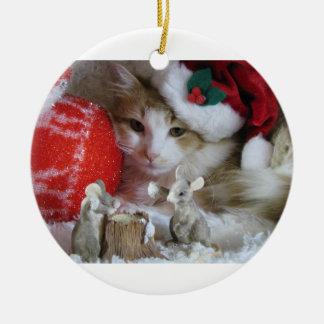 Gato do inverno do Natal Ornamento De Cerâmica Redondo