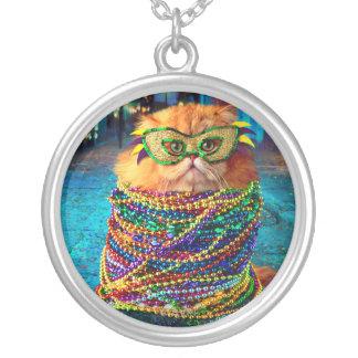 Gato engraçado com a miçanga colorida no carnaval colar banhado a prata