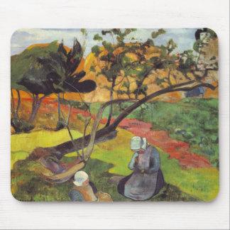 Gauguin; Paisagem com as duas mulheres bretãs Mouse Pad