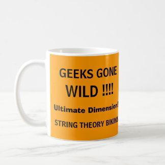 Geeks idos selvagens! - uma caneca da tevê do GEEK