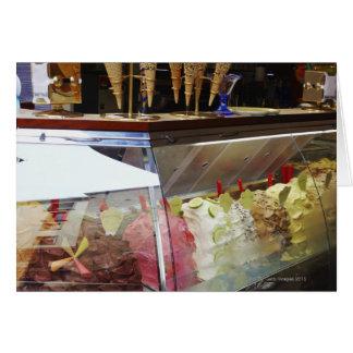 Gelato italiano na vitrina cartão comemorativo