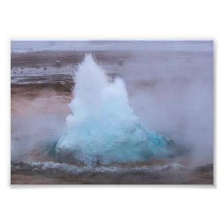 Geysir (primavera quente) em Islândia Fotos