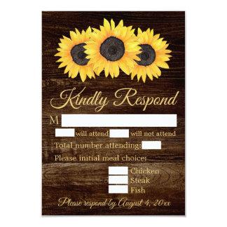 Girassóis do país no cartão de madeira da resposta