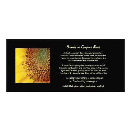 Girassol fresco e dourado panfleto personalizado