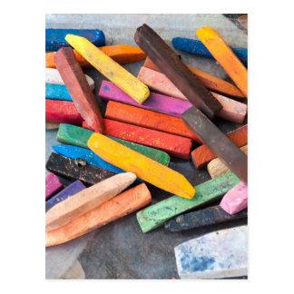gizes coloridos cartão postal