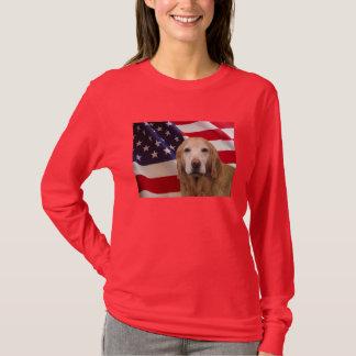 Golden retriever toda a camisa americana