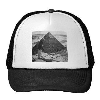 Golfe no vintage da pirâmide preto e branco boné
