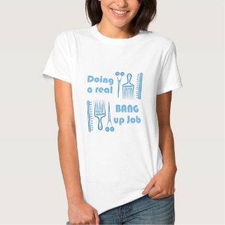 Golpeie acima o trabalho t-shirts
