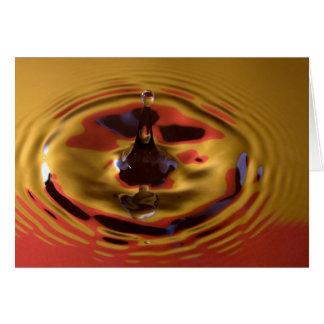 Gota da água amarela e vermelha cartão