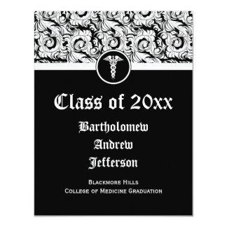 Graduação preto e branco da Faculdade de Medicina Convite 10.79 X 13.97cm