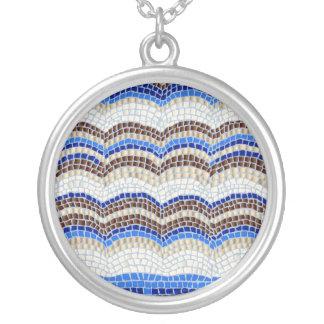 Grande colar redonda do mosaico azul