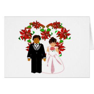 Grinalda inter-racial do coração do casal do casam cartões