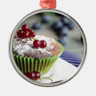 Groselhas frescas Muffin Ornamento Redondo Cor Prata