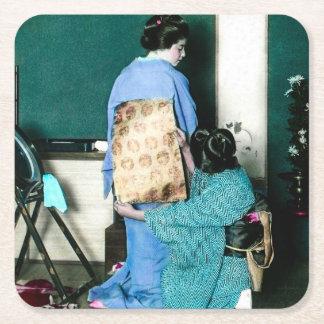 Gueixa que ajusta a bruxaria africana do quimono porta-copo de papel quadrado