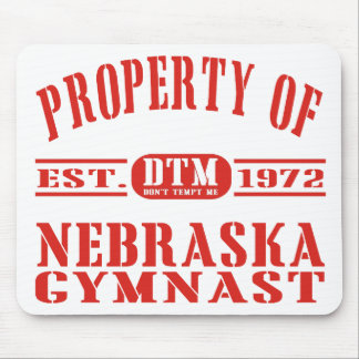 Gymnast de Nebraska Mouse Pads