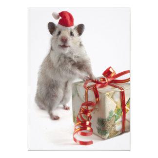 Hamster de Papai Noel com presente Convite 12.7 X 17.78cm