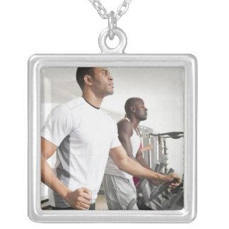 Health club 3 colar banhado a prata