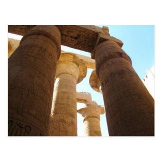 Hieroglyphics em colunas em templos de Karnak Cartoes Postais