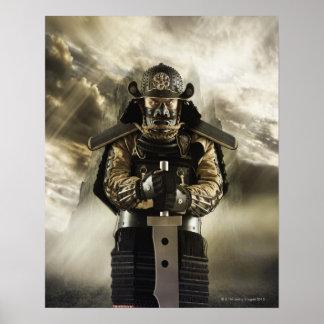 Homem asiático na armadura do samurai posters