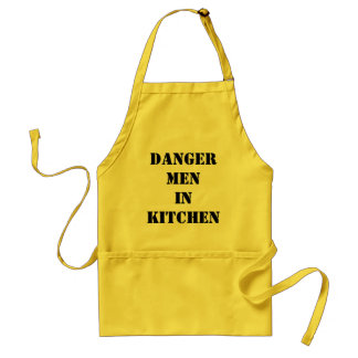 homens do perigo na cozinha aventais