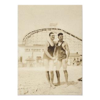 Homens que estão na praia convite 12.7 x 17.78cm